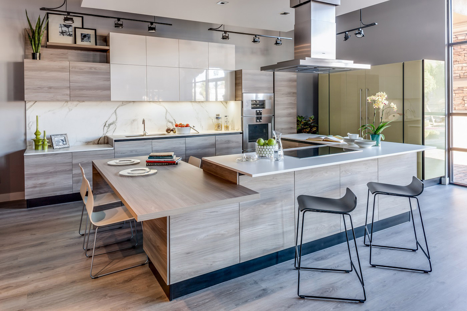 Trade Kitchens and Cabinets