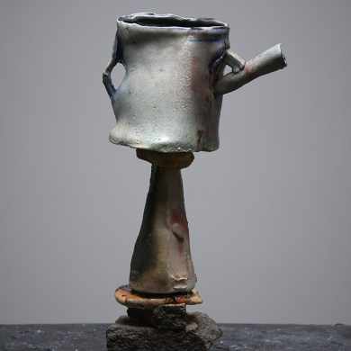 Peter Hawkesby, Pink T Pot on Stilt. Courtesy of Anna Miles Gallery. Photo by Sam Hartnett