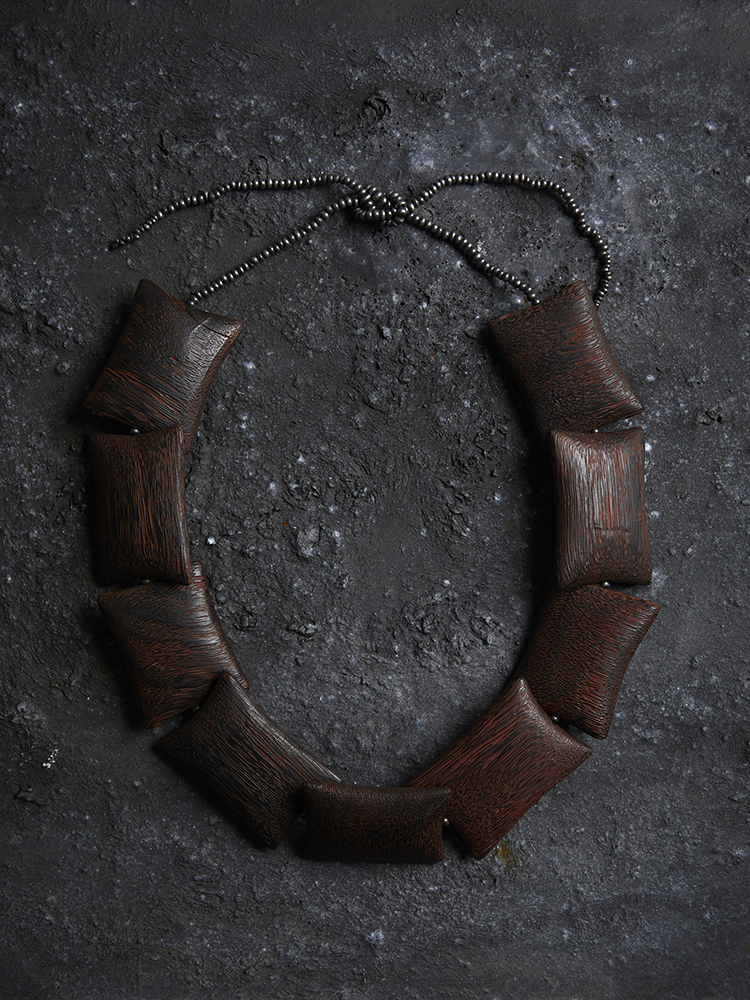 Warwick Freeman, Wood Pillow Necklace. Courtesy of Anna Miles Gallery. Photo by Sam Hartnett