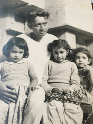 Saadat Hasan Manto with his three daughters