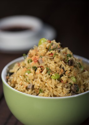 Spicy vegetable fried rice with taro