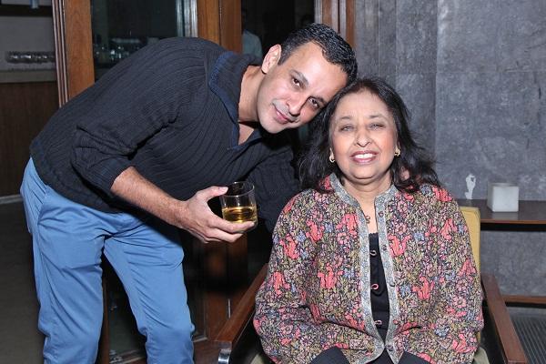 Gaurav Karan, Sunita Vadhera