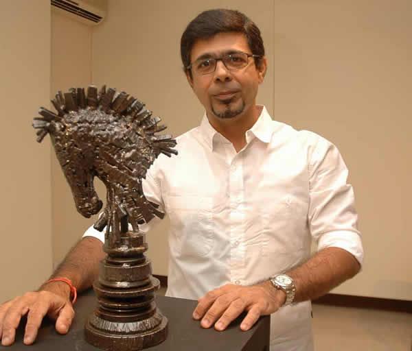 Arzan Khambatta, artist, sculptor, standup comedian