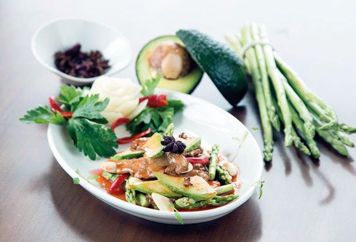 Asparagus Avocado Sliced Chicken in Sichuan Chilli Garlic Sauce