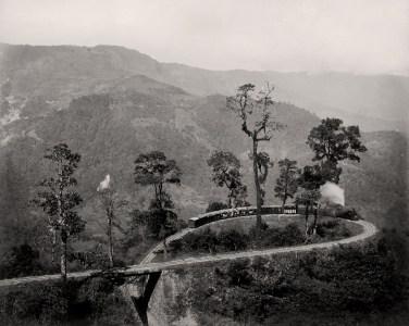 Darjeeling, The loop on the Darjeeling Himalayan Railway