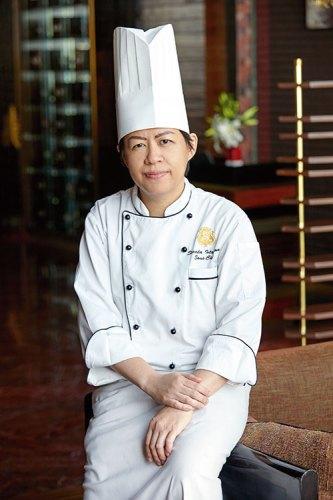 Chef Sorada Intaprom