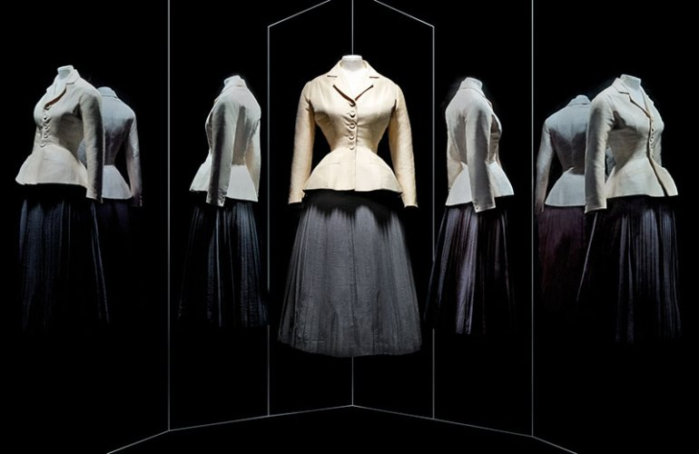 Christian Dior, Bar skirt suit, Haute Couture, S/S 1947, pleated corolla skirt in wool crêpe