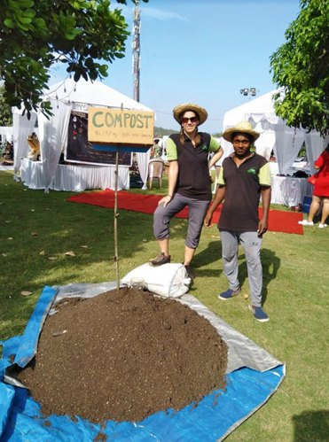 The wet waste is turned into compost and sold by the kilo at farmer's markets and other events.