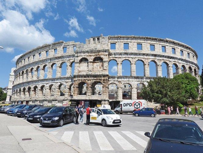 Roman amphitheatre, Pula