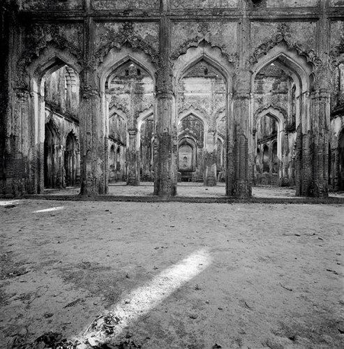 Ruins of British Residency, Lucknow, 1977, Silver gelatin print