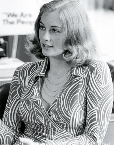 Cybill Shepherd wearing a wrap dress in Taxi Driver (1976)