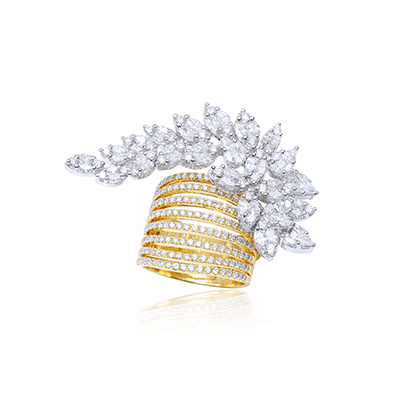 Gehna Jewellers ring with diamonds, in 18-carat gold