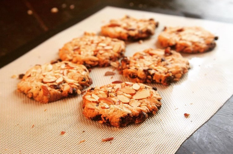 Gluten and sugar-free cookies