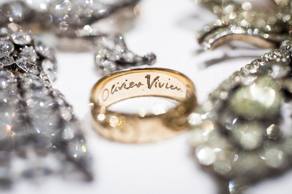 gold ring given to Vivien Leigh by her husband Laurence Olivier