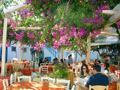 Dining in Mykonos town