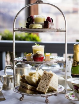 The 3-tiered high tea stand