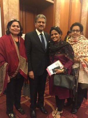 Verve's Arti Sarin, Falguni Kapadia and Shraddha Jahagirdar-Saxena with Anand Mahindra