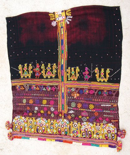 Women's head shawl, woven by Vankars in Gujarat's Adhoi village, dyed in the nearby Chaubari village by Khatri artisans and embroidered by Bharwad Rabaris of Vagad
