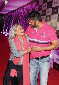 Jaya Bachchan, Sunil Shetty