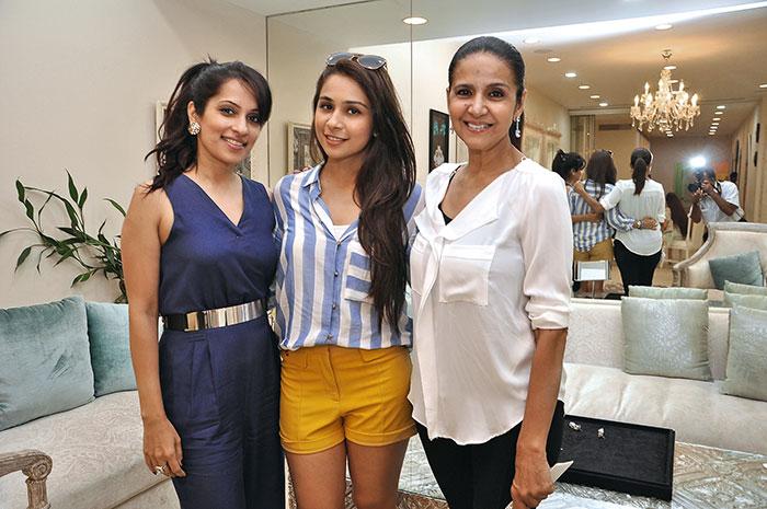 Kriti Soni Bhatia, Sonaakshi Raaj, Sharon Prabhakar
