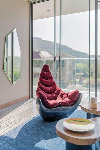 A living room designed by Seolekar