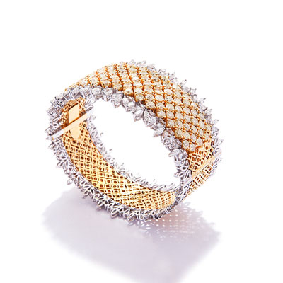 Latique Signature Collection bracelet with diamonds