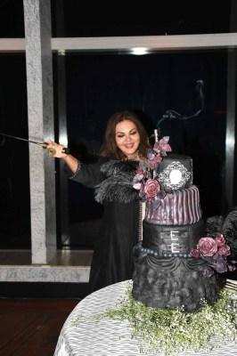 Malavika Sangghvi cutting her cake