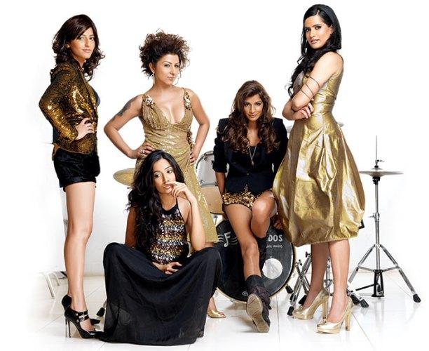 L - R: Shruti, Monica, Hard Kaur, Anushka, Sona