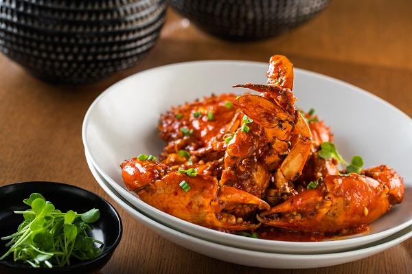 Mud crab deep fried with Pixan chilli at Shang Palace