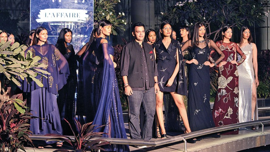 Nachiket Barve with the models at the fashion show