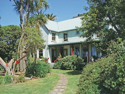 Meadowbank Homestead Lodge: Warmth and Solitude