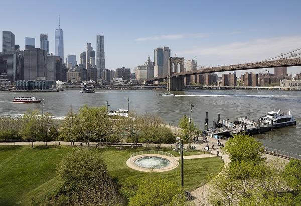 Anish Kapoor's Descension at Brooklyn Bridge Park