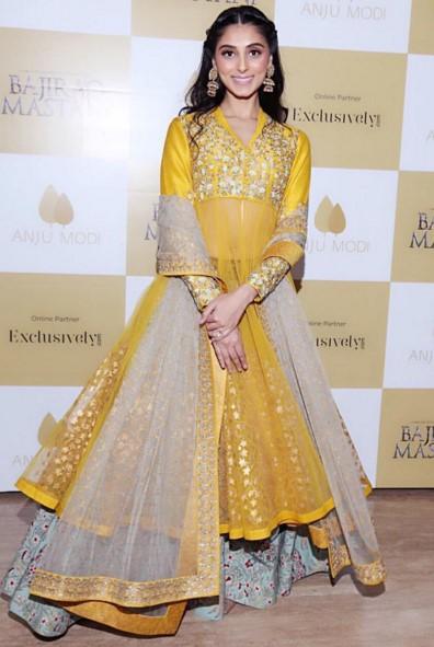 Pernia Qureshi in Anju Modi