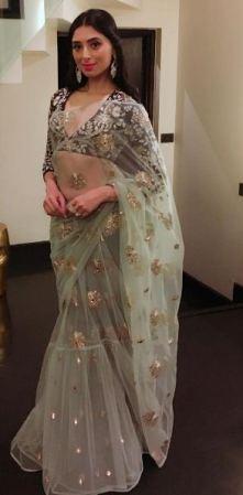 Pernia Qureshi in Payal Singhal