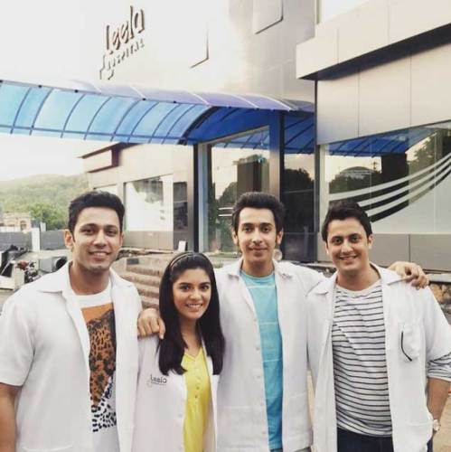 Pooja Gor behind the scenes of 'Ek Nayi Ummeed-Roshni' with her co-stars
