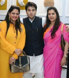 Rajkumari Nandini Singh, Jyotiraditya Madhavrao Scindia, Yuvrani Chitrangada Singh
