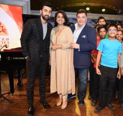 Ranbir Kapoor, Neetu and Rishi Kapoor