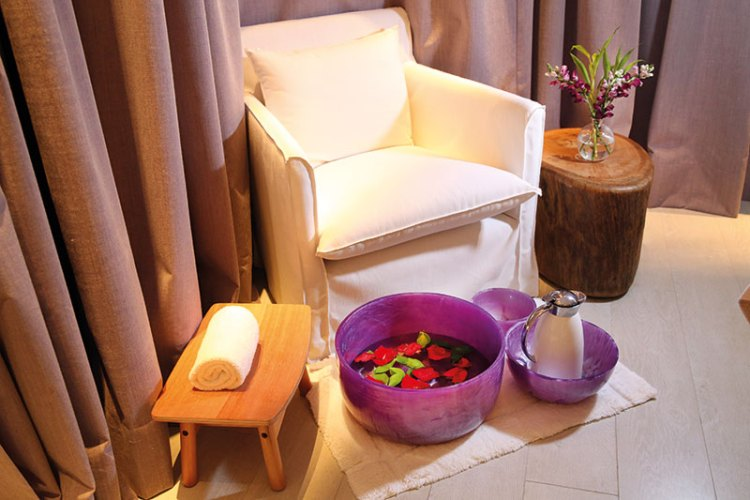 A quiet corner in the hotel's Atiaia Spa