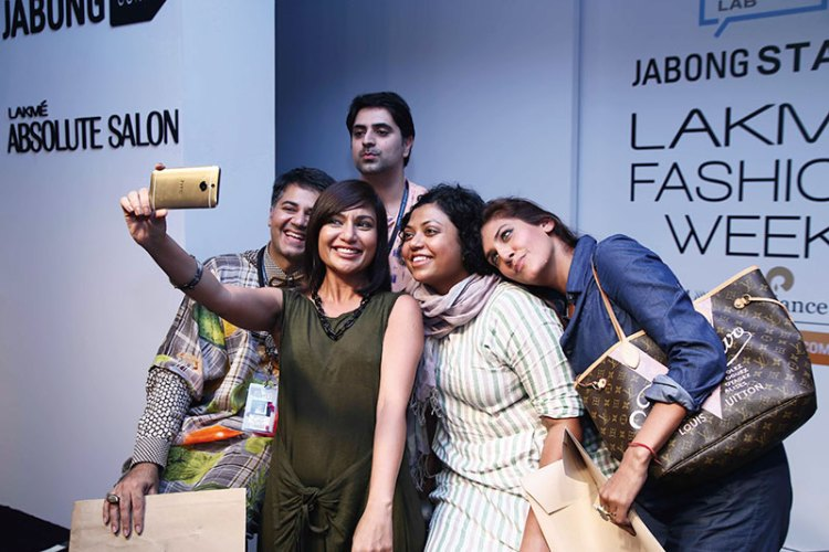 Selfie time for Parmesh Shahani and his Lakmé Fashion Week panel