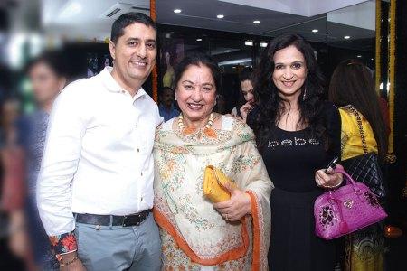 Sunil Datwani, Geeta Rupani, Reena Rupani