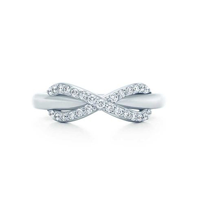 Tiffiny & Co. infinity ring with diamonds in 18-carat white gold