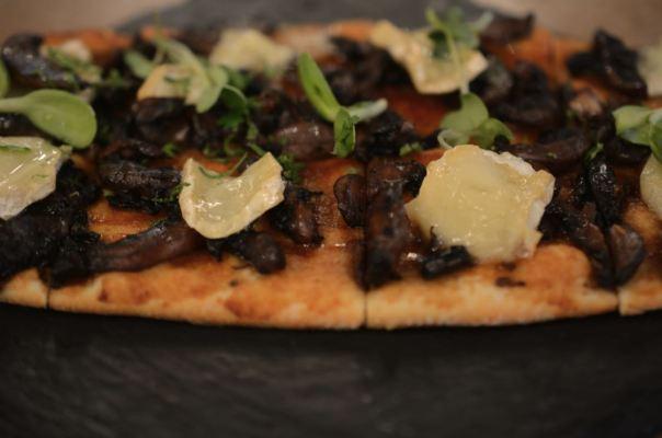 Wild mushroom and brie flatbread