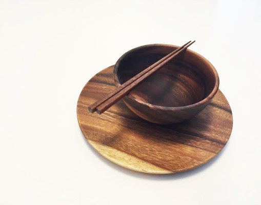 Wooden crockery