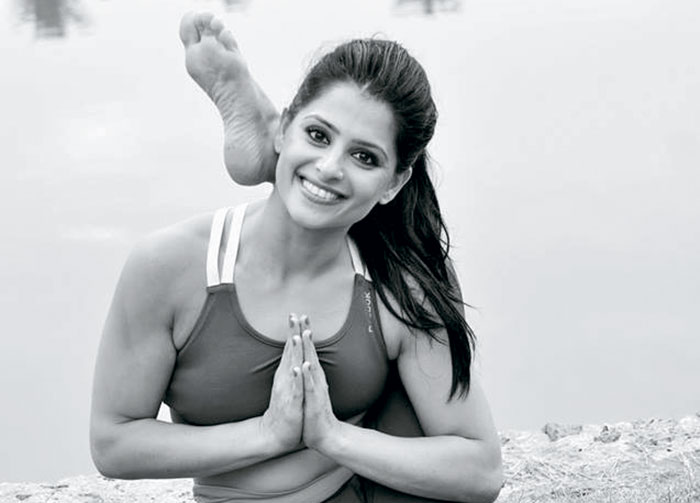 Yoga expert Sunaina Rekhi, Ardha Matsyendrasana