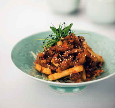 Crispy-lamb-with-raw-mango-Yauatcha