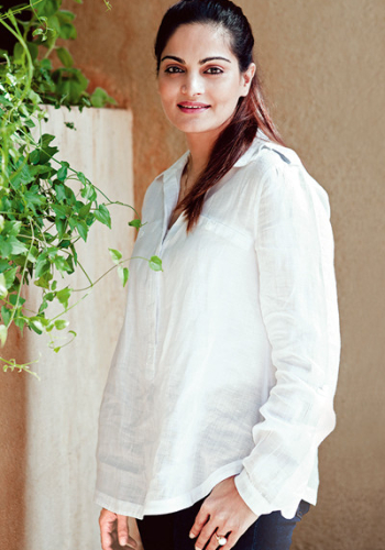 Alvira Agnihotri, Philanthropist