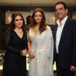 Deepa Jagwani, Gauri Khan, Mahesh Jagwani at the launch of Mahesh Notandass' Festive Collection