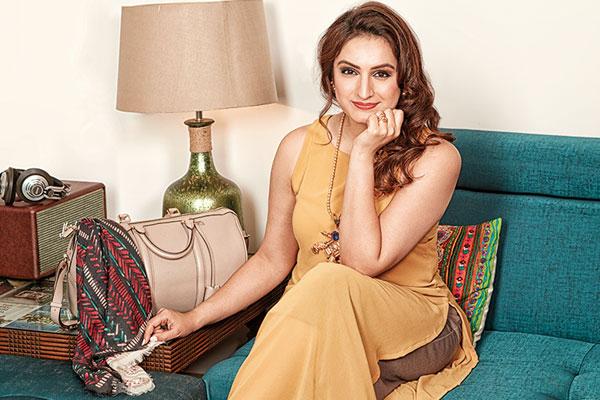 Akriti Kakar, Singer
