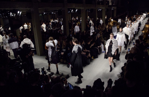 Burberry February 2017 Show Finale,Fashion, London Fashion Week AW 2017