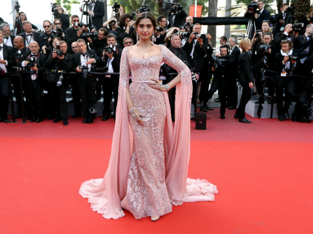 Sonam Kapoor, Elie Saab Couture, Day 5, Cannes 2017, Fashion, Red Carpet, Celebrities,